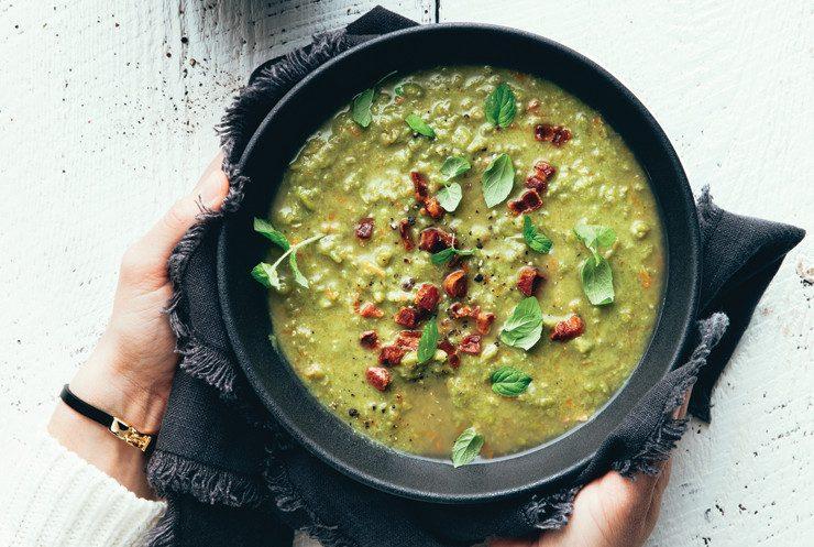 Soupe aux pois verts et lardons